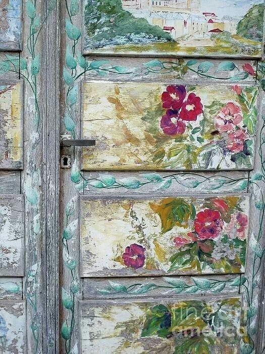 Новая жизнь старым дверям. Несколько интересных идей изображение