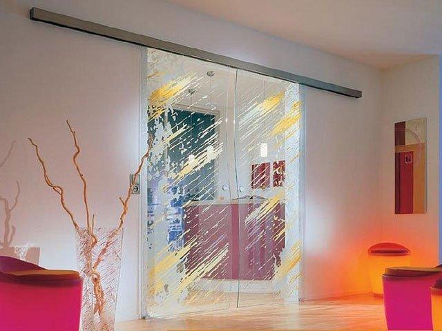 Покупаем стеклянные двери изображение