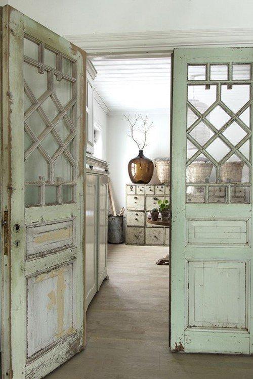 Как ухаживать за межкомнатными дверями? изображение