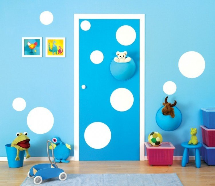 Основные шаги при выборе двери в детскую комнату изображение